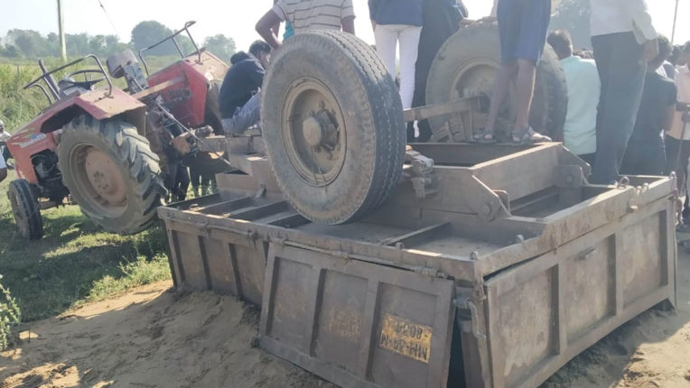 youth killed in tractor smuggling sand