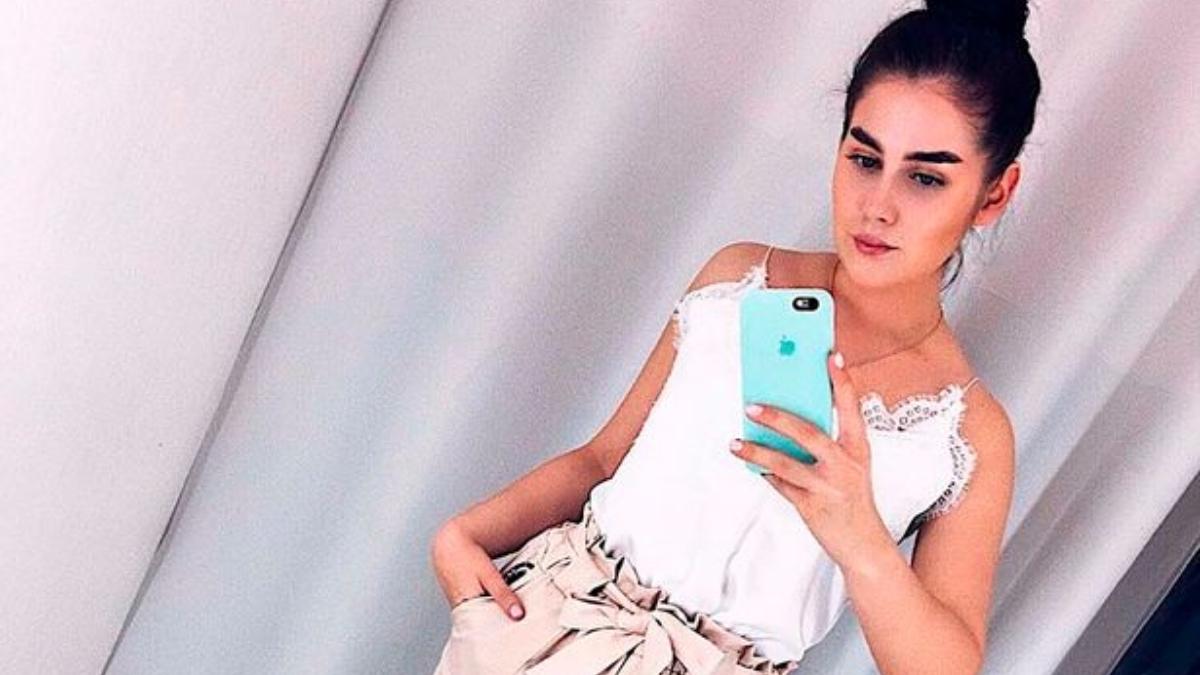 डेली मेल की रिपोर्ट के अनुसार, ओलेसा आईफोन-8 यूज़करतीं थीं। जब वे नहनेके लिए बाथरूम में गईं तो फ़ोन साथ ले गईं थीं।