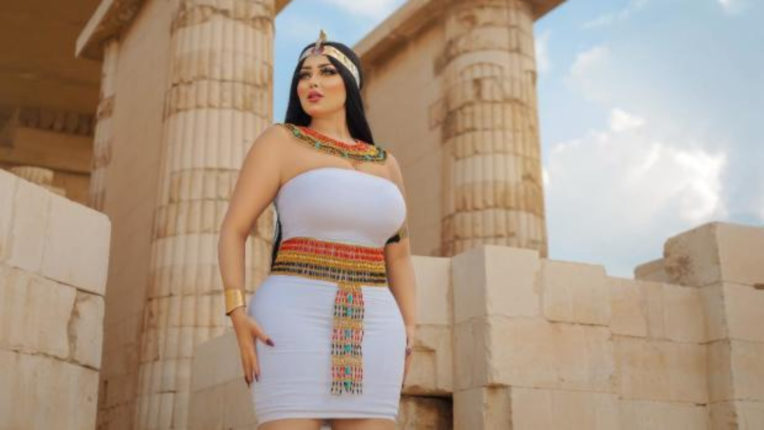 Salma El-Shimy dancer had to get hot photoshoot on 4700 year old pyramid, photographer arrested