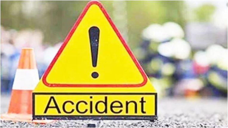 Three-year-old girl injured in bus-tempo crash in Banda, seven dead