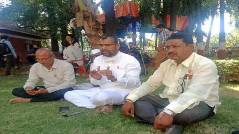 किसान आंदोलन पर चढ़ा राजनीतिक रंग