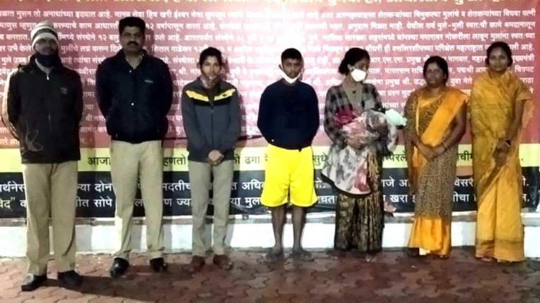3-month-old child found in bushes, ashram children saved innocent life