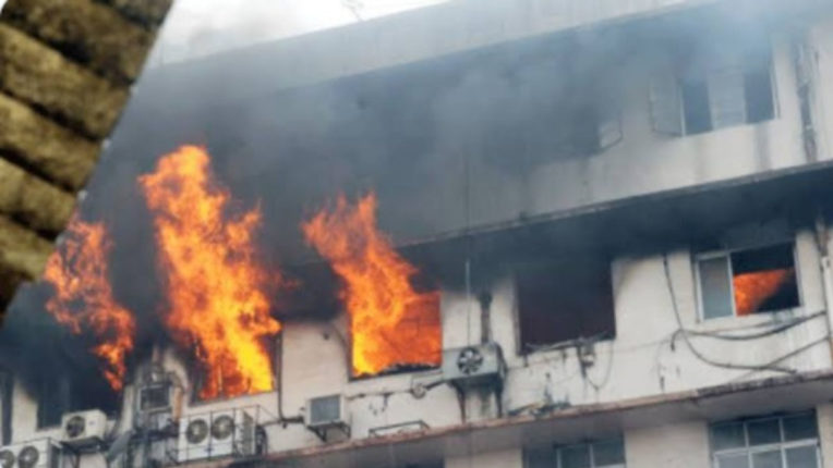 6 suspended including civil surgeon in Bhandara fire case