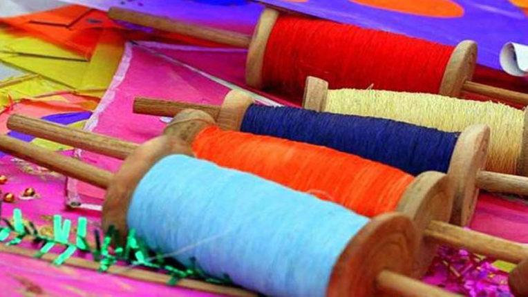 पतंगबाजी जारी क्रेज, कार्रवाई नहीं हुई तेज- प्लास्टीक पतंग व नॉयलॉन मांजा बिक्रेताओं के खिलाफ सरकार ने दिए निर्देश