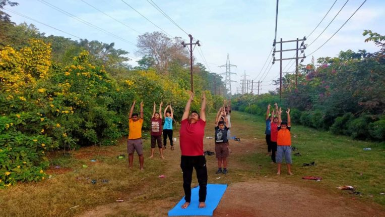 Makar Sankranti celebrated with collective sun salutation
