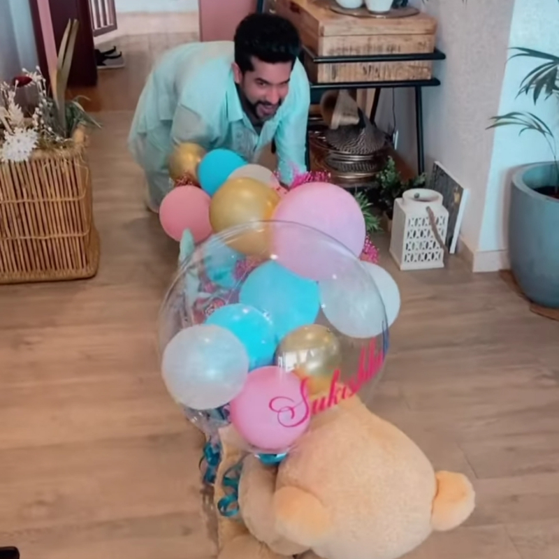 Suyyash Rai lavished love like this during the baby shower